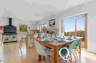 Holiday cottage Caldey Island views - dining area/kitchen