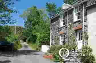 Exterior view of Lower Fishguard holiday cottage 29 Old Newport Road