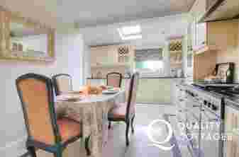 Llyn Peninsula holiday cottage - kitchen