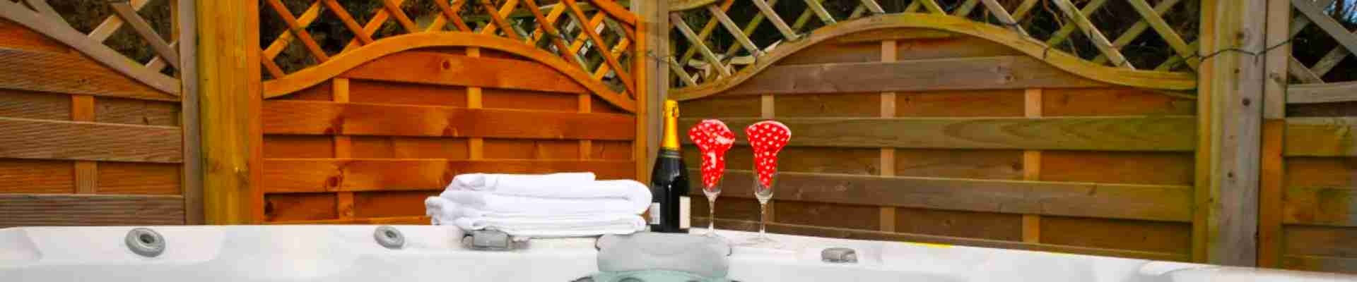 North Wales Cottages with Hot Tub, Pool or Sauna