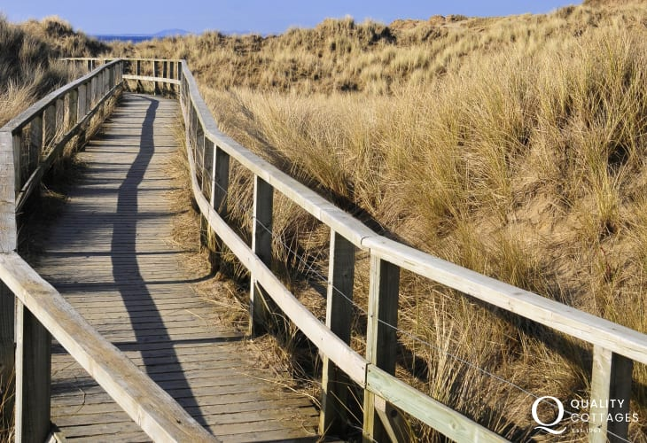 Benar beach, great for long walks with the binoculars, take in views of the Lleyn Peninsula or take a picnic to the beach