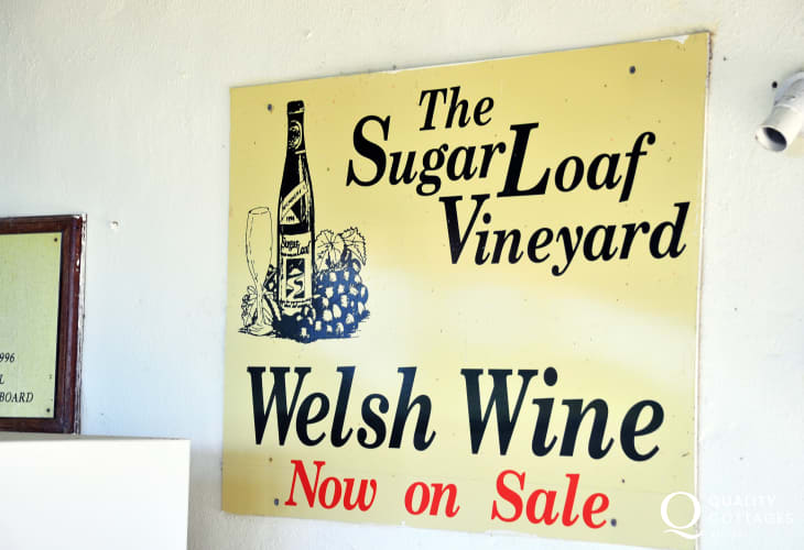 Sugar Loaf Vineyard sign