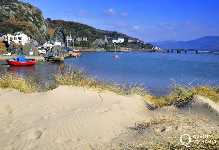 The long sandy beach at Barmouth