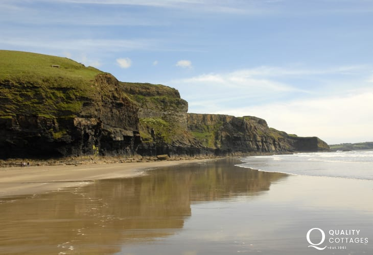 Druidston Haven - a superb unspoilt beach with towering cliffs
