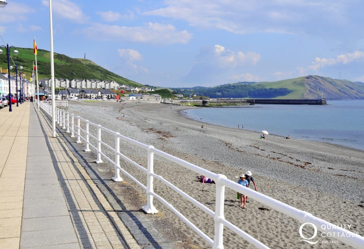 The cosmopolitan resort of Aberystwyth with its' sweeping promenade and safe bathing is home to the Welsh National Library, Gallery and Art Centre