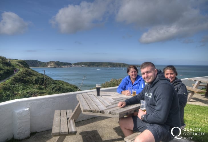 The Cliffs Inn, Morfa Nefyn is a pleasant place to enjoy drinks near the beach