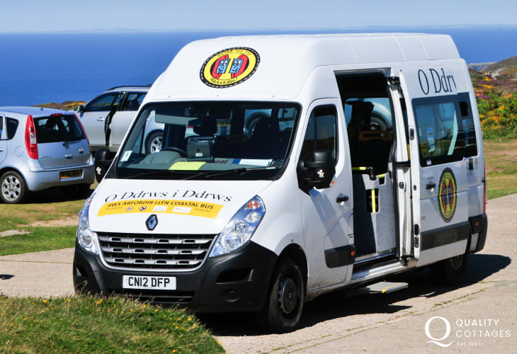 Llyn Coastal bus