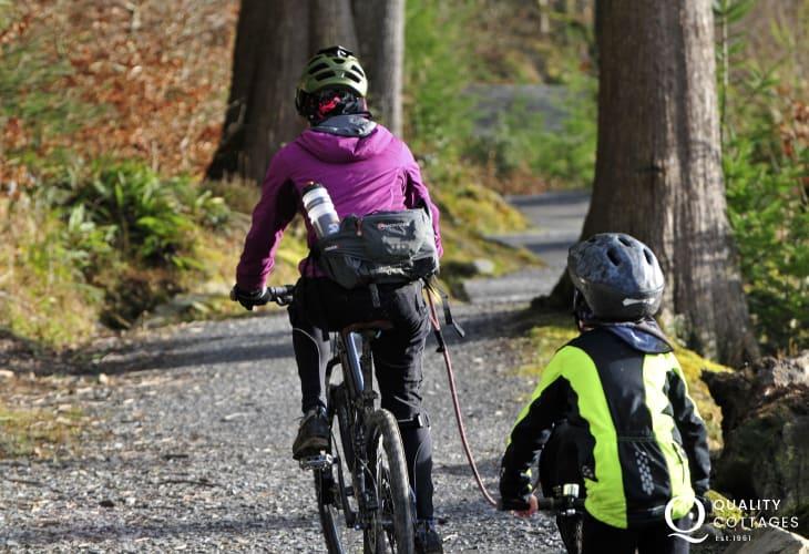 Cycling in Bwlch Nant yr Arian