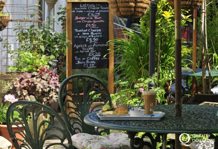 Llanrwst cafe and antique shop