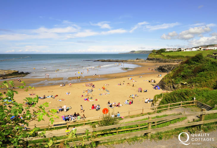 Aberporth's two golden sandy beaches (Blue Flag) are the ideal place to spend a sunny afternoon
