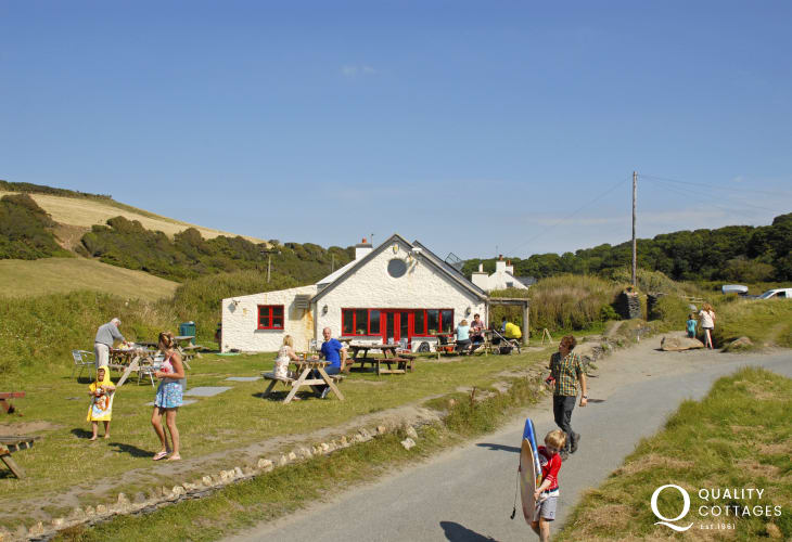 The Old Sailors Inn, Pwllgwaelod, overlooks the beach and serves real ales and good food - sea food and shell fish are a speciality