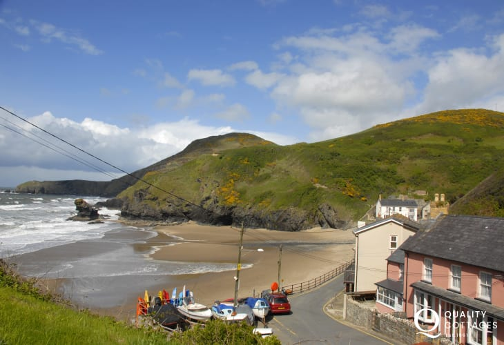 Cardigan Bay Heritage Coast at Llangrannog is just a short drive away, Enjoy fabulous cliff top walking