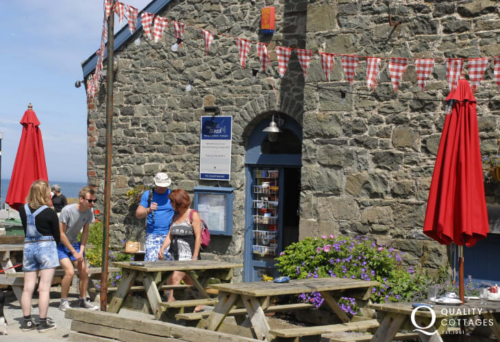 The Shed Bistro in Porthgain overlooks the picturesque harbour - enjoy friendly service and delicious freshly caught fish