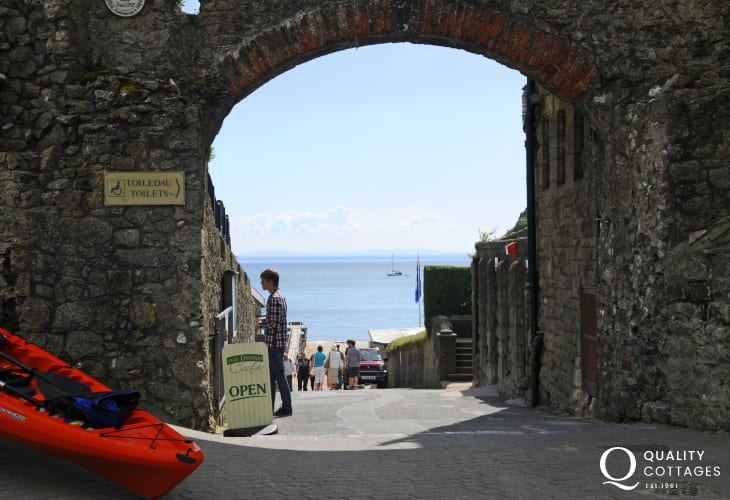 Explore medieval Tenby - cobbled streets and alleyways lined with all kinds of craft shops