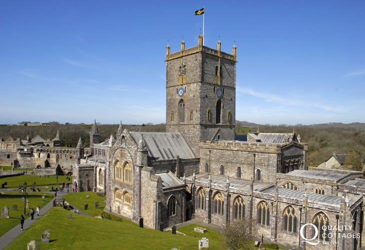 At the heart of St Davids is the magnificent 12th century Cathedral and ruined Bishops Palace