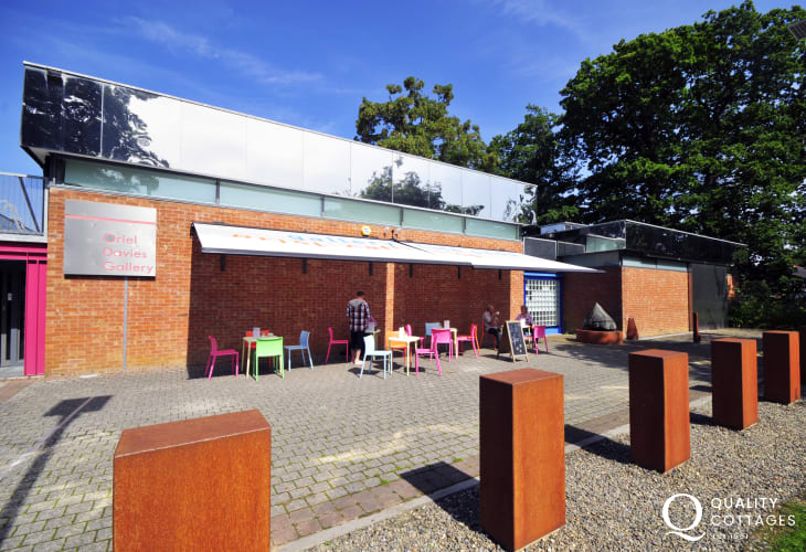 The Oriel Gallery in Newtown has a cafe and shops and hosts events and exhibitions throughout the year.
