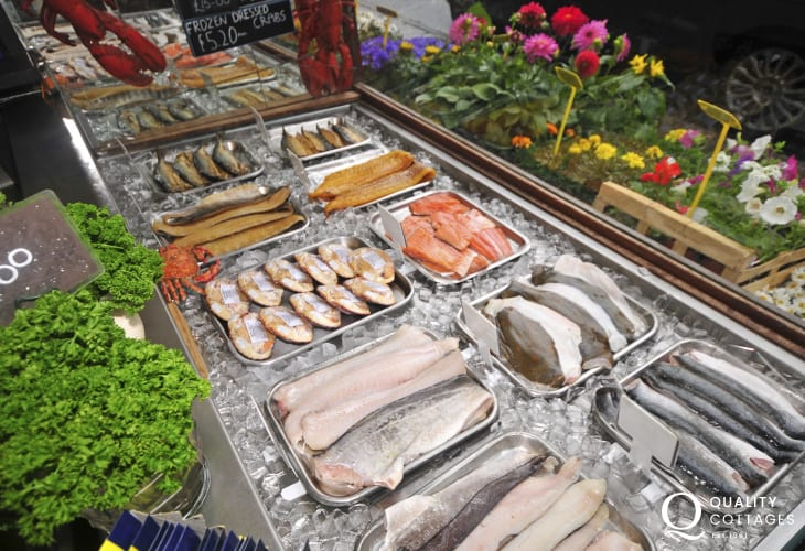 Ffrwythau DJ of Criccieth stocks fabulous local seafood, fruit & vegetables