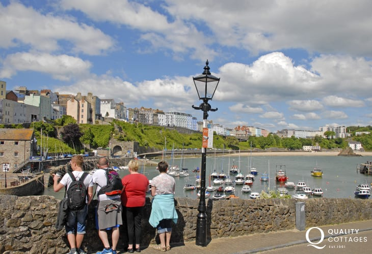 Tenby is an Edwardian seaside resort with picturesque harbour, boutiques, bars, restaurants, quaint cobbled streets and 5 glorious sandy beaches (Blue Flag) - a perfect day out