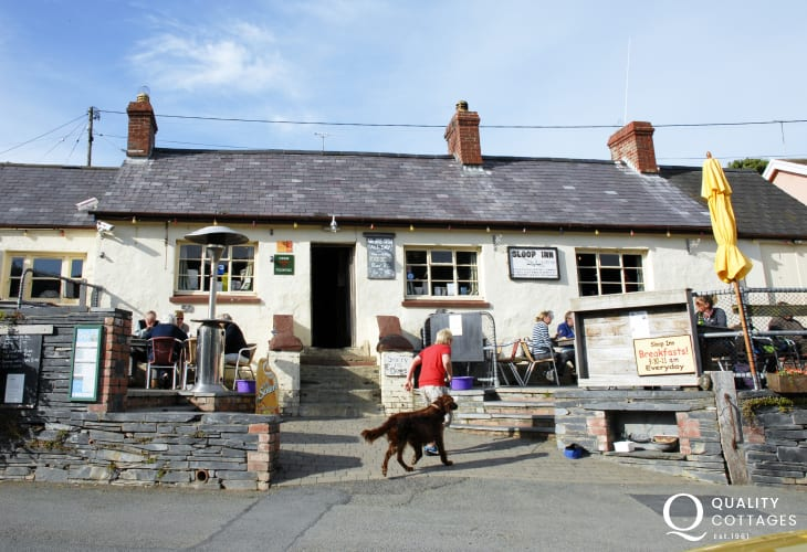 'The Sloop Inn', Porthgain - a family friendly pub serving a choice of excellent bar food