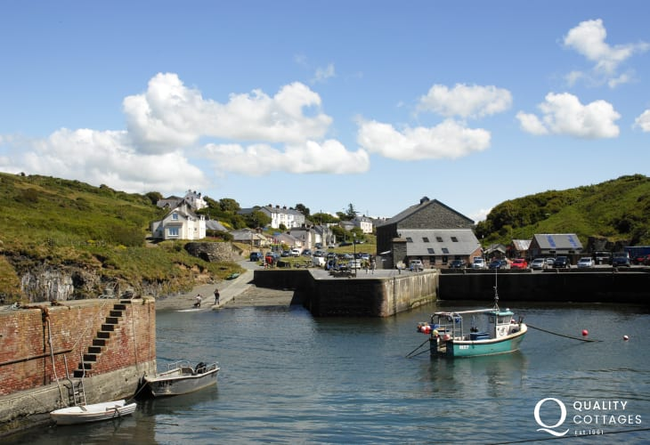 Porthgain Harbour has two art galleries, a restaurant and the well known family friendly pub the Sloop Inn