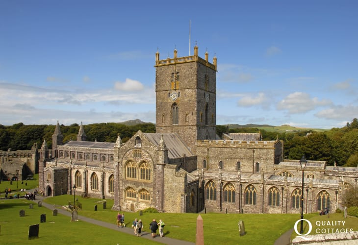 St Davids is Britain's smallest city with the magnificent Cathedral and ruined Bishops Palace dedicated to Wales' patron saint