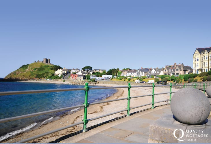 Criccieth beach and promenade