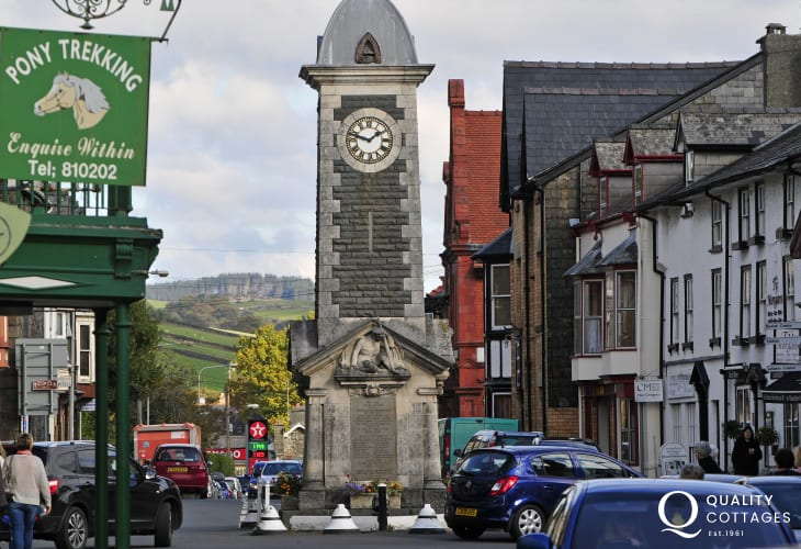 Rhayader town centre has a good choice of individual gift shops, cafes and restaurants