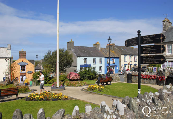 St Davids has a wide variety of pubs, restaurants, galleries plus art and craft shops in which to browse