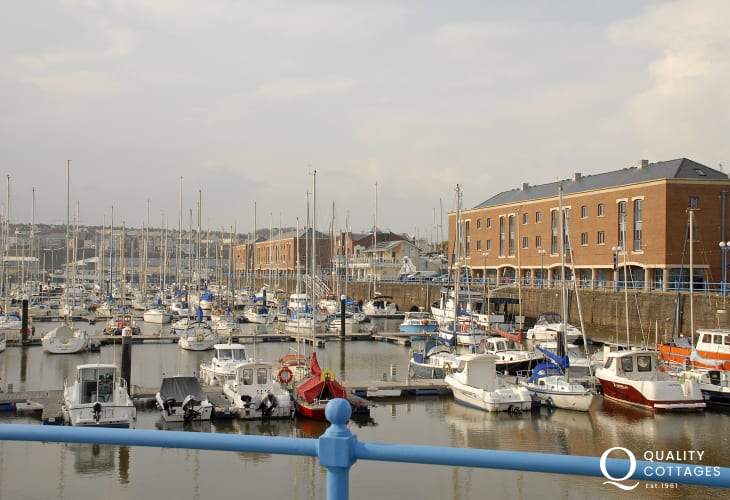Milford Marina has shops, cafes, bars, restaurants and fabulous yachts.