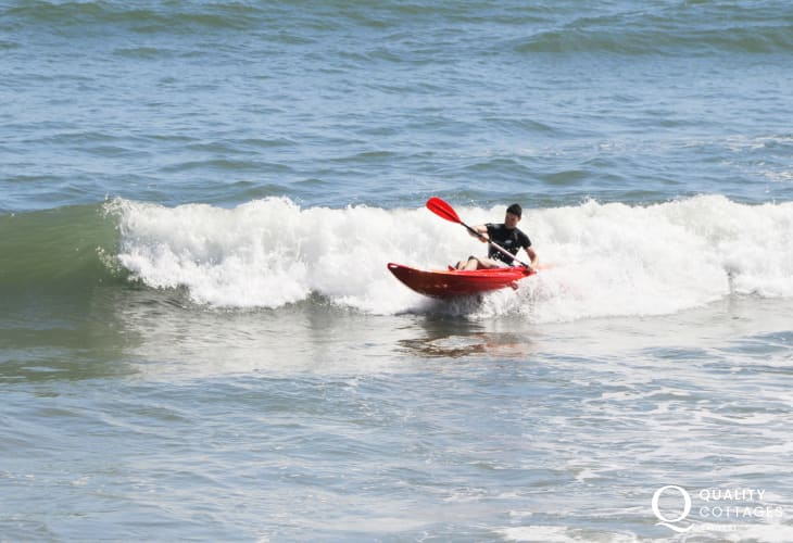 Tenby Water Sports offer sailing, wind surfing, jet skiing, motor boating