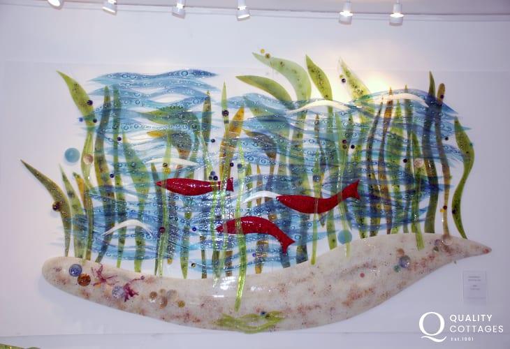 The Steve Robinson Glass Studio, St Davids - a 'warm glass' studio exhibiting his stunning range of stunning hand made pieces
