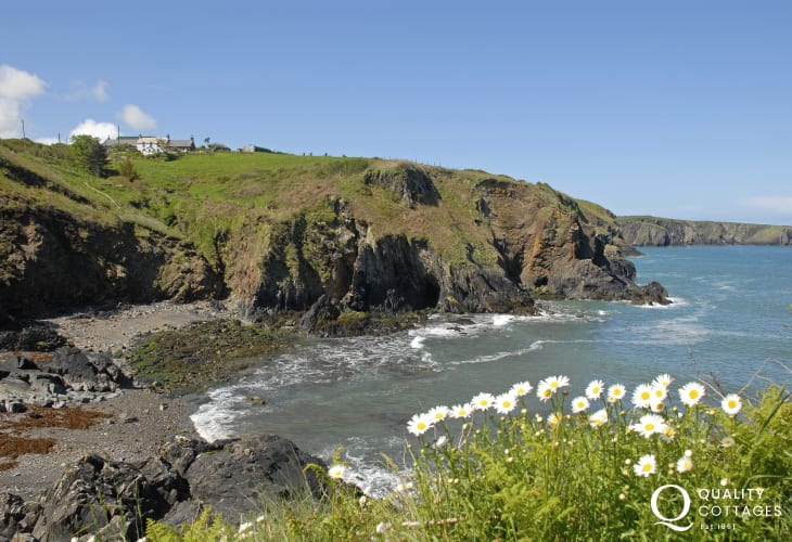 Aber Felin is a shingle cove with rock pools