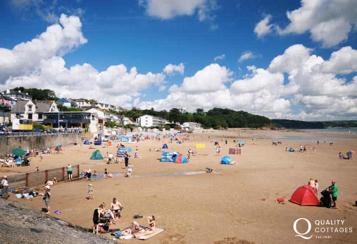 Saundersfoot fishing village has a choice of shops, cafes, pubs, restaurants and 3 sandy beaches including Coppet Hall and The Glen