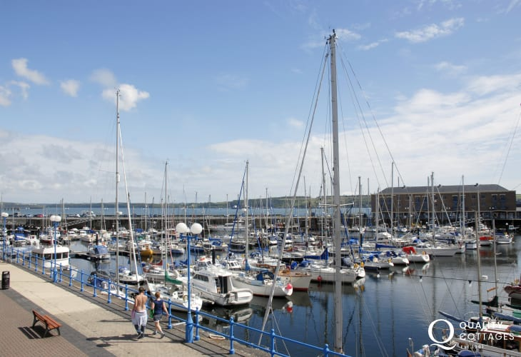 Milford Marina with its shops, cafes, bars, restaurants and fabulous yachts is only a short stroll away