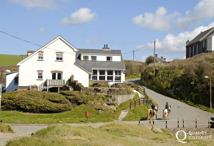 The Mariners Inn overlooks the beach at Nolton Haven