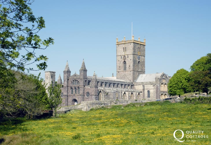 St Davids village City is the cultural centre of the Peninsula with regular orchestral bookings & choral concerts benefitting from the superb Cathedral acoustics