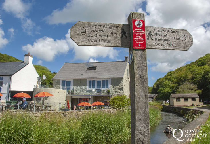 Enjoy alfresco dining at Number 35 overlooking the Solva River - delicious home made snacks, cakes and ice creams