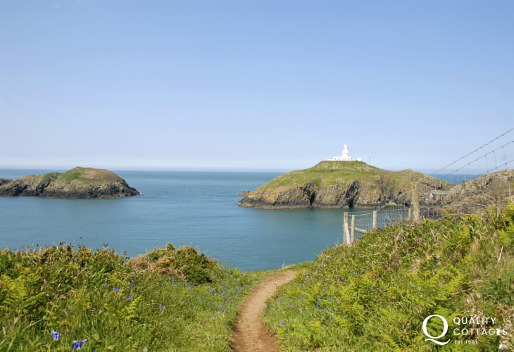 (Pen Caer) is a wild stretch of the North Pembrokeshire coast path