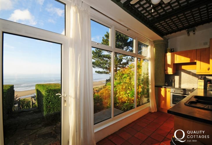 Snowdonia luxury holiday cottage close to beach
