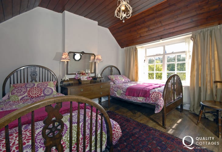 Pembrokeshire cottage twin