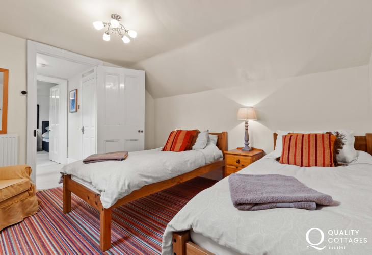 Tresaith holiday house sleeping 10 - 2nd floor twin