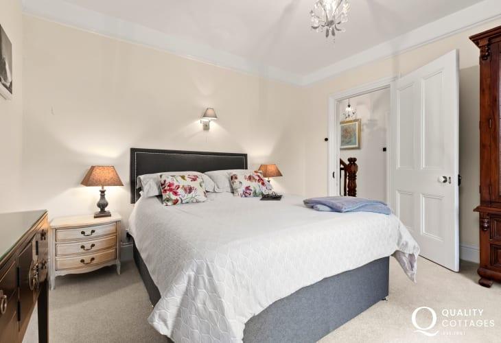 Cardigan Bay coastal holiday home sleeps 10 - double