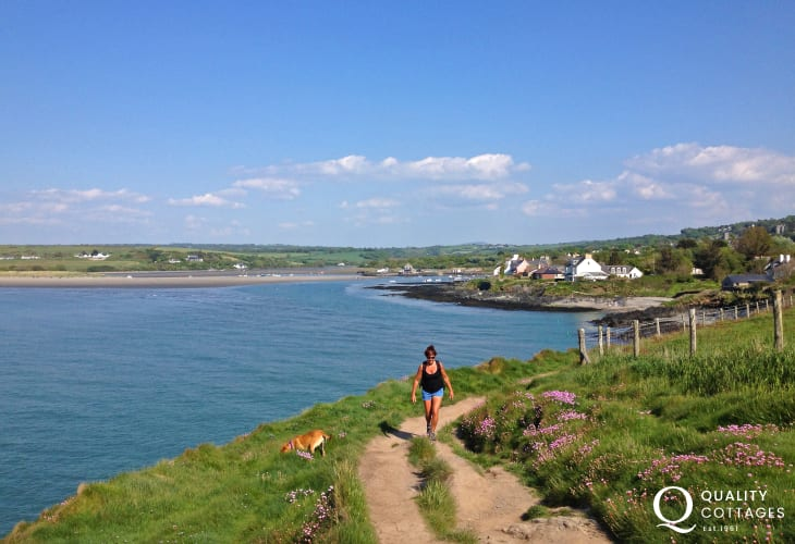 Enjoy fabulous scenery and cliff top walking on the nearby Pembrokeshire Coast Path