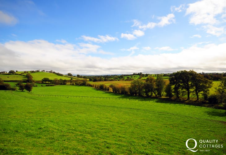 Views of the open countryside from Llwyn Coppa
