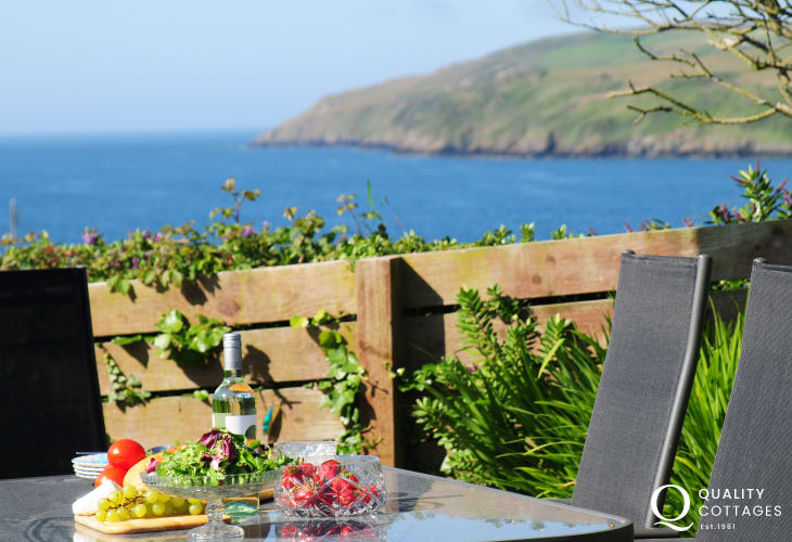 Coastal holiday cottage North Wales - sea view