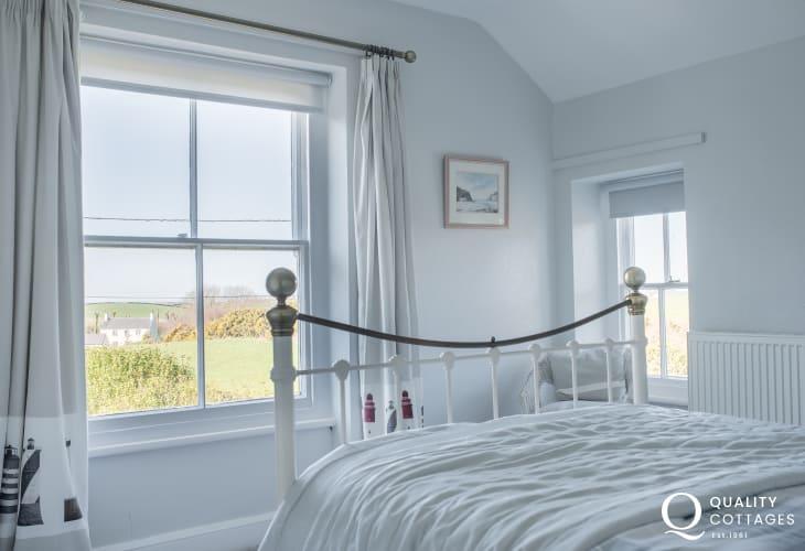 Llyn Peninsula cottage sleeps 6  - double bedroom