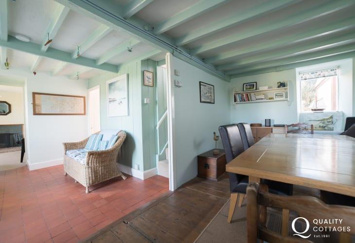 Dog friendly Holiday cottage Morfa Nefyn - dining room
