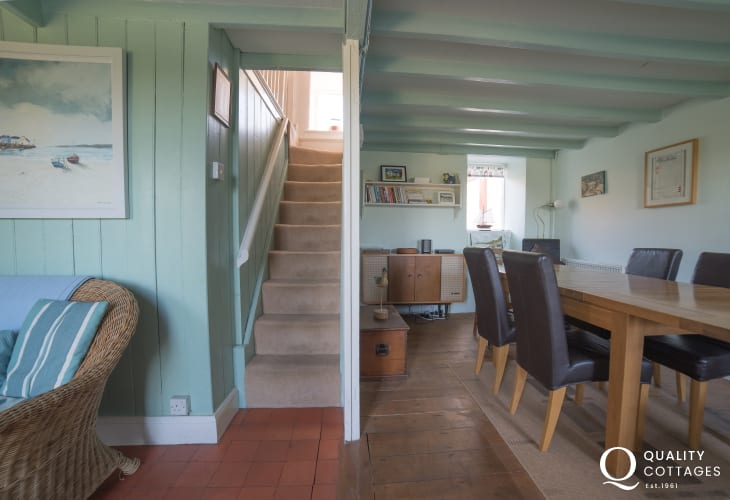 Dog friendly Holiday cottage 3 bedrooms Morfa Nefyn - dining room