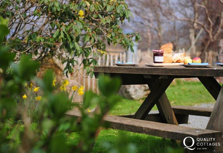Holiday home near Cadair Idris Dolgellau & Mawddach Estuary-garden