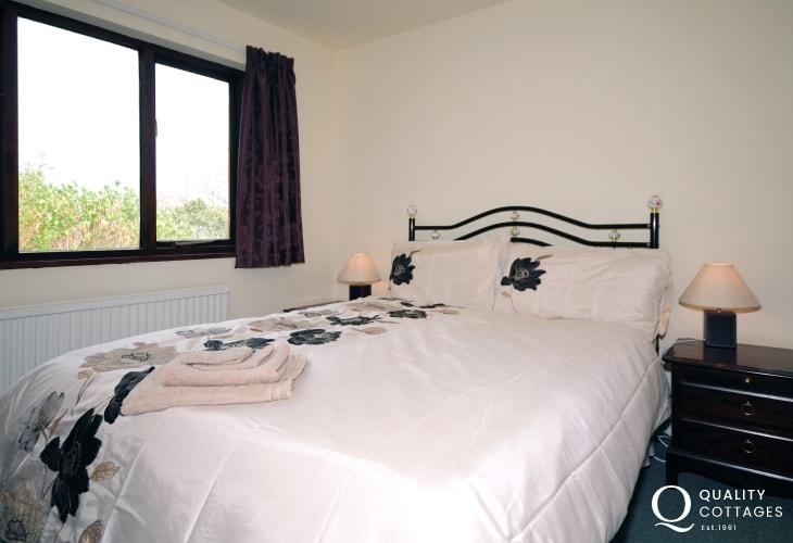 Bedroom at holiday home sleeps 6 near Barmouth